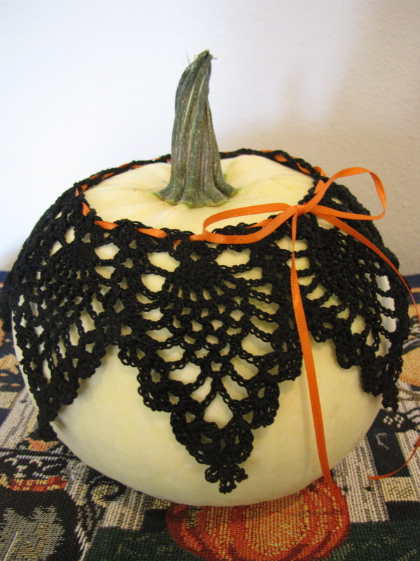 Pineapple Pumpkin Lace: A Free Crochet Pattern.