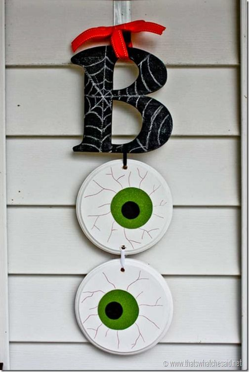 'BOO' Halloween Wall Hanging.
