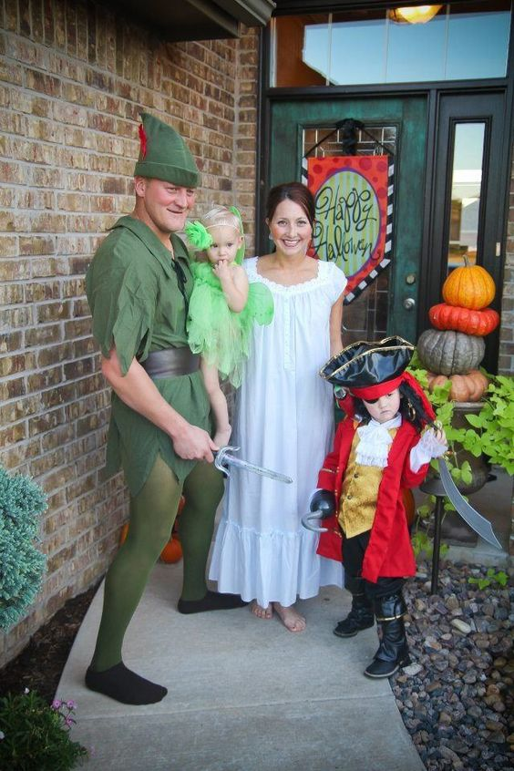 Peter Pan, Wendy, Hook and Tinkerbell Family Costume.