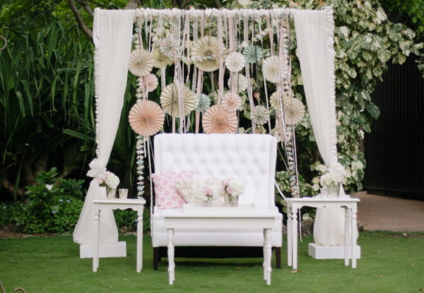 budget friendly photo booth backdrop ideas and tutorials. Black Bedroom Furniture Sets. Home Design Ideas