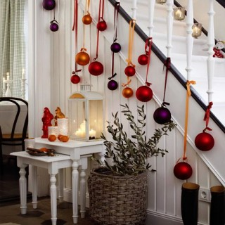 20+ Great Ways To Decorate Your Home With Christmas Ornaments