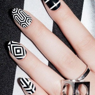 Black and White Nail Art Designs – Perfect Match For Any Parties