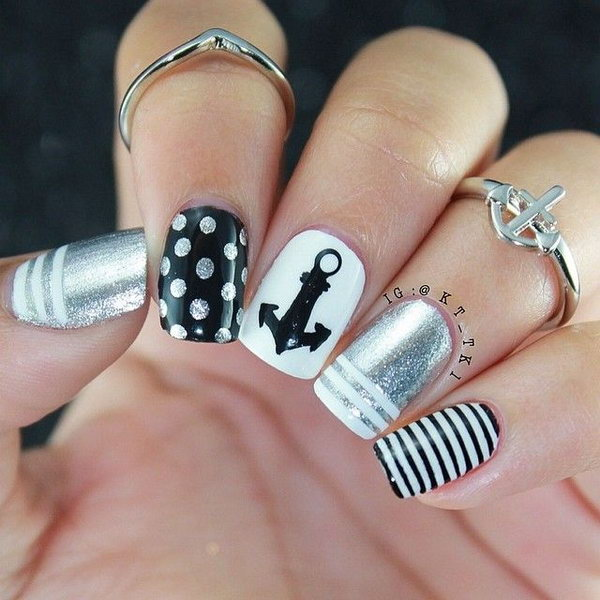 Black and White Anchor Nails.