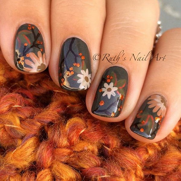 Fall Flower Nails.