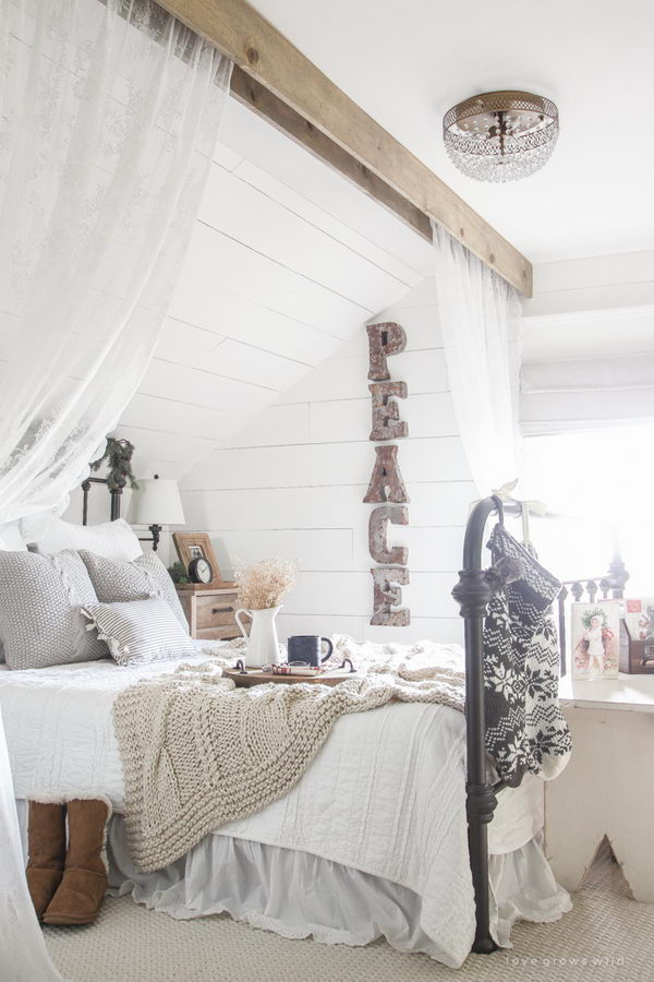 Farmhouse Christmas Bedroom Decor.