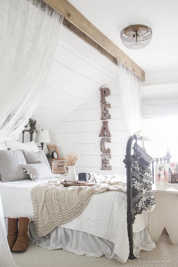 Farmhouse Christmas Bedroom Decor.