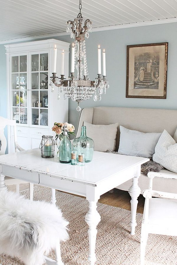 Attractive Blue And White Rustic Chic Dining Room