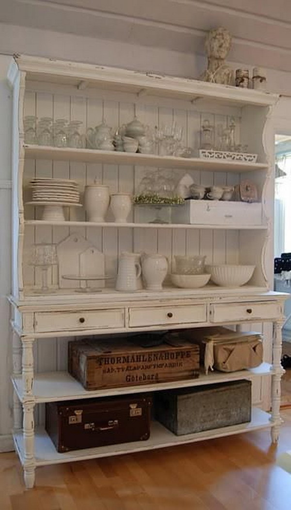 Cream White Shabby Chic Kitchen Shelving.