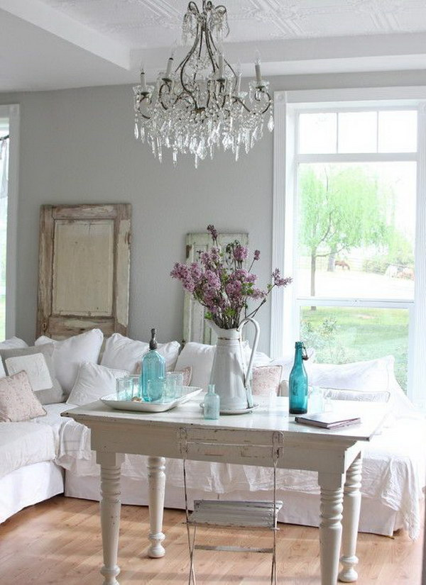 Clean and Elegant Shabby Chic Living Room