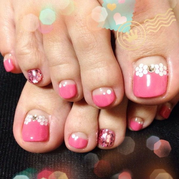 Pink and White Polka Dots Toe Nials.