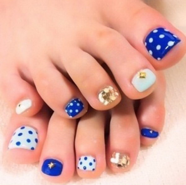 Blue Theme with Polka dots, Glitter and Jewels Toe Nail Design. - 60 Cute & Pretty Toe Nail Art Designs
