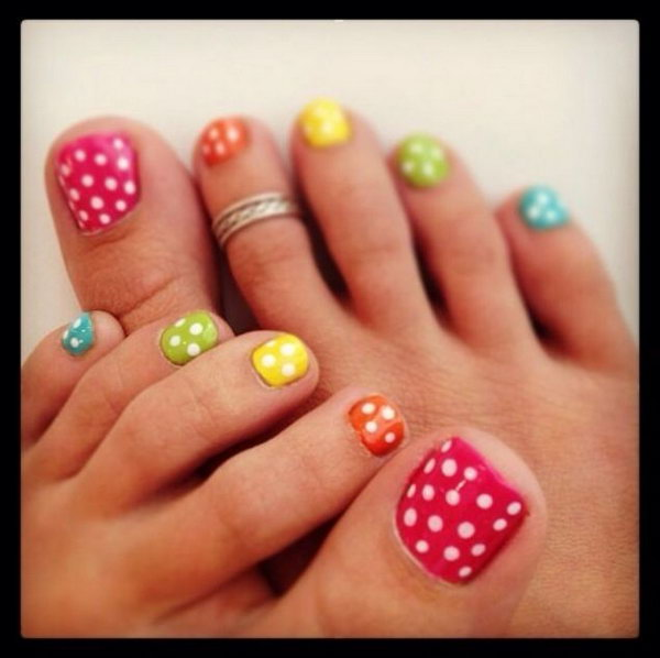 Colorful Polka Dots Toe Nail Art.