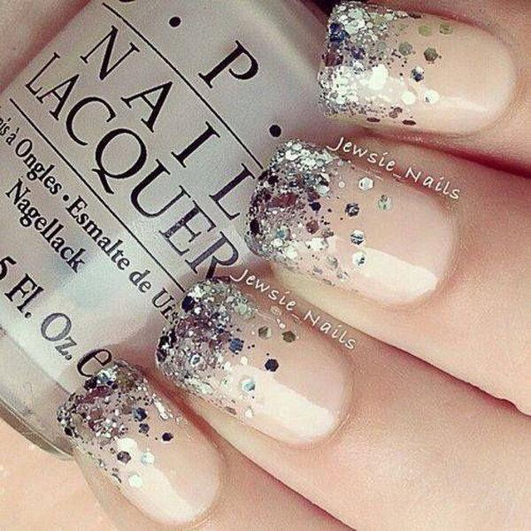 Nude Glitter Nail.