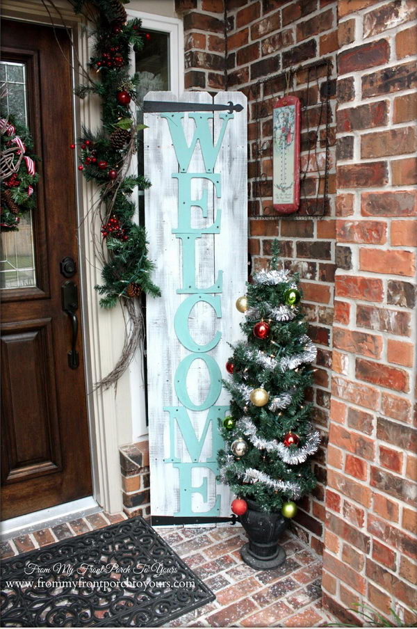 Holiday Welcome Sign.