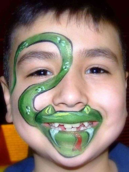 Snake Face Painting.