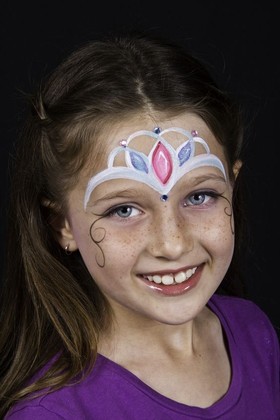 Crown Pearl Princess Face Painting.