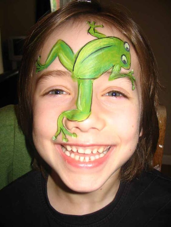 Frog Face Painting.