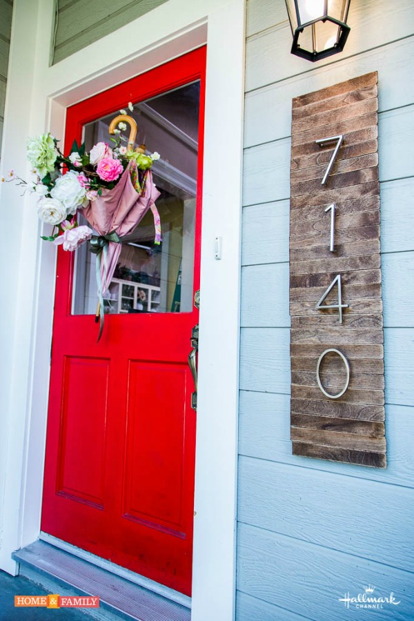 DIY House Numbers Sign Adds Curb Appeal.