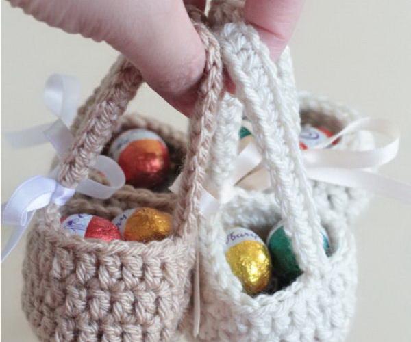 2 crochet baby shower gift ideas tutorials thumb